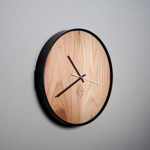 houten-wandklok-elm