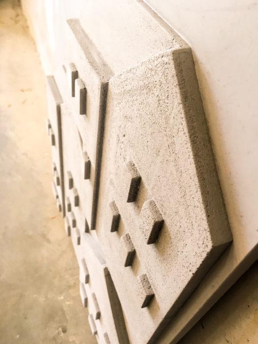 beton-tableau-grijs-detail-bovenaanzicht